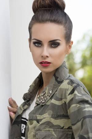 maquillaje militar para mujer de dia