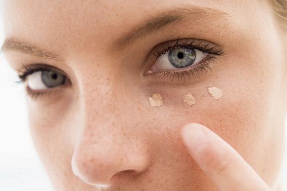 maquillaje para cubrir ojeras