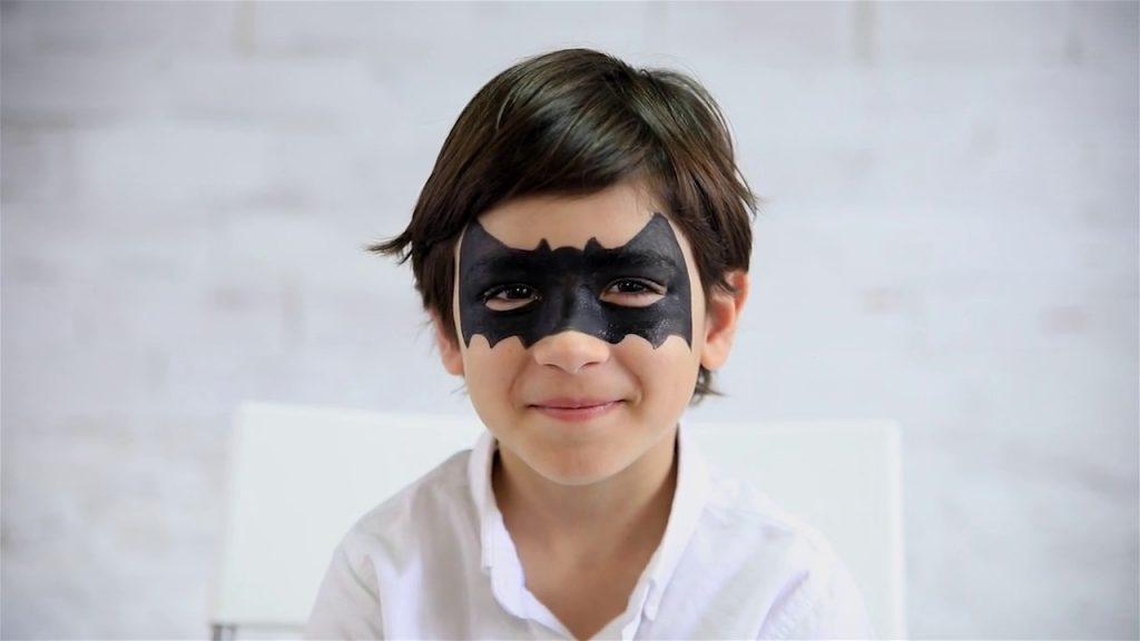 dibujo de murciélago con maquillaje