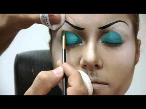 maquillaje párpado movible