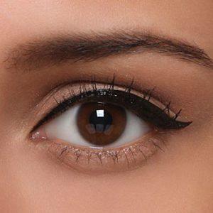 solo con eyeliner