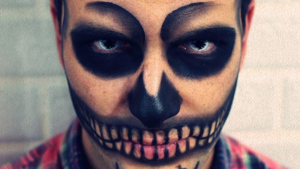 maquillaje de hallowen para hombre sencillo