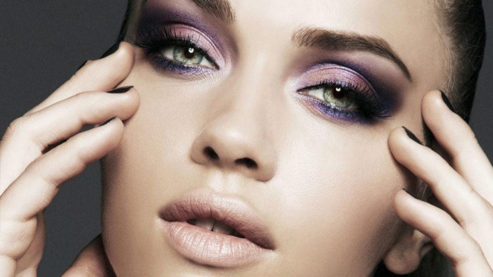 maquillaje morado para ojos verdes