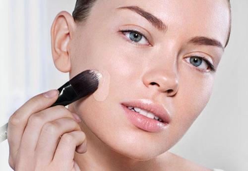 como aplicar una prebase de maquillaje correctamente