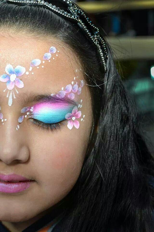 maquillaje flower power para carnaval