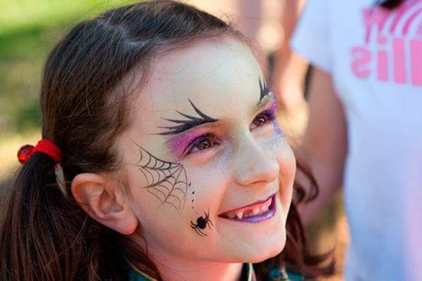 maquillaje de bruja para niña con telarañas