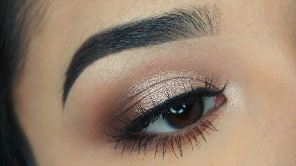 maquillaje de ojos para noche casual