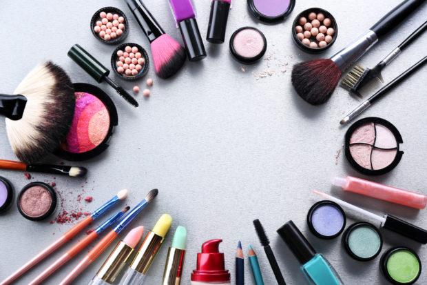 materiales para realizar un maquillaje fantasía perfecto
