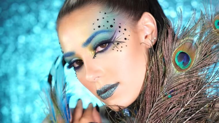 maquillaje pavo real carnaval