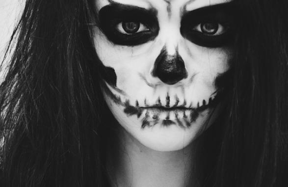 maquillaje de esqueleto mujer