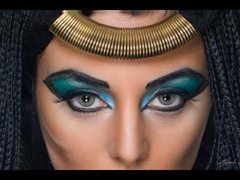 maquillaje ojos egipcio