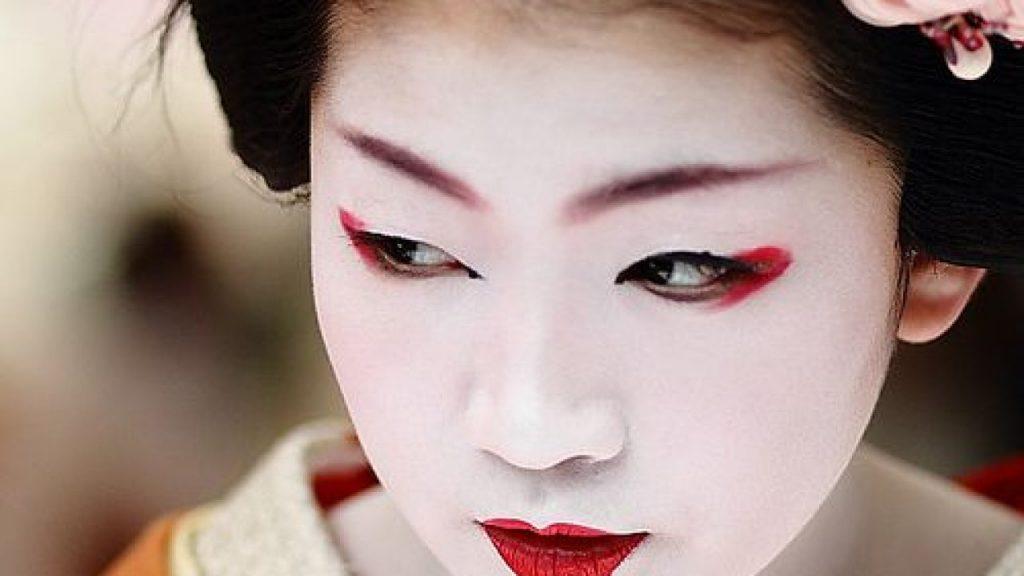 maquillaje geisha paso a paso