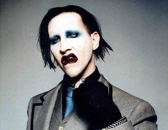 maquillaje gotico hombre