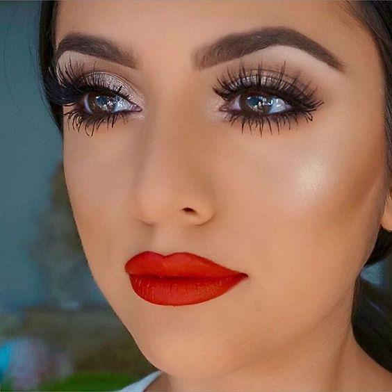maquillaje labios rojos noche perfecto