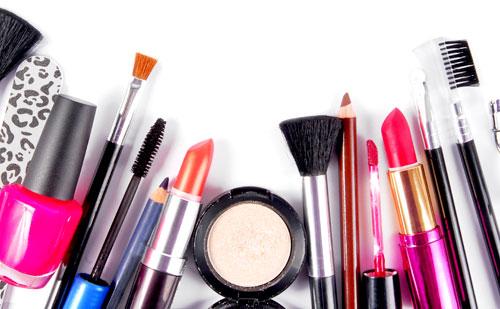 productos basicos de maquillaje