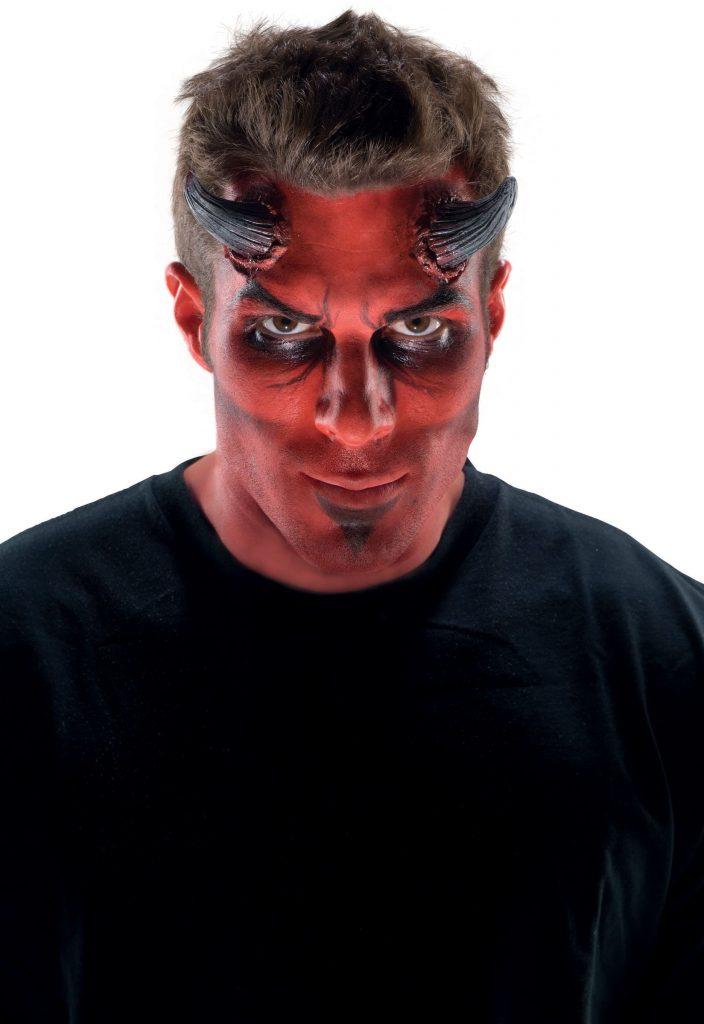 maquillaje de demonio para hombre