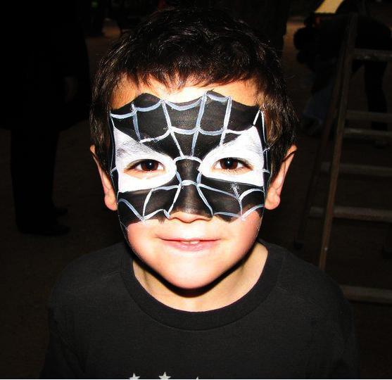 maquillaje spiderman negro
